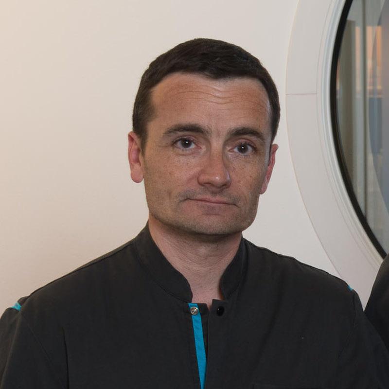 Docteur Stéphane DELCAMBRE de la Clinique Vétérinaire de l'Arche à Nantes